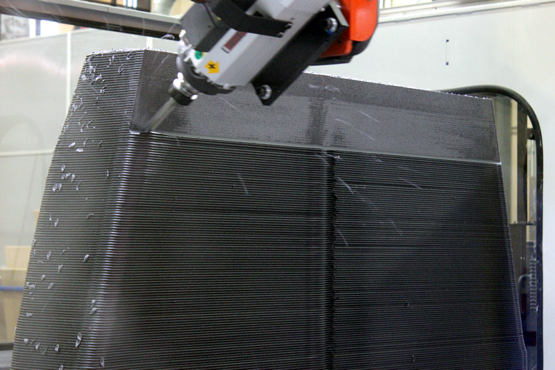 Thermwood LSAM 5 Axis Trimming Head in Action
